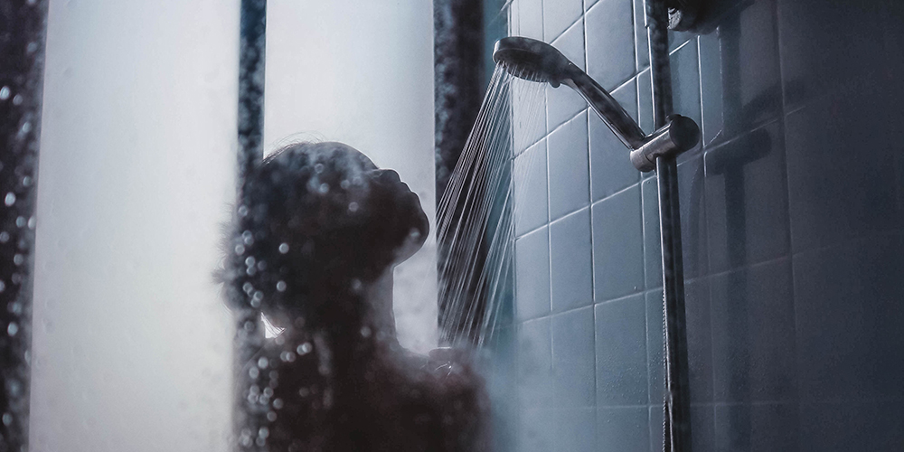 how hot water can damage your skin
